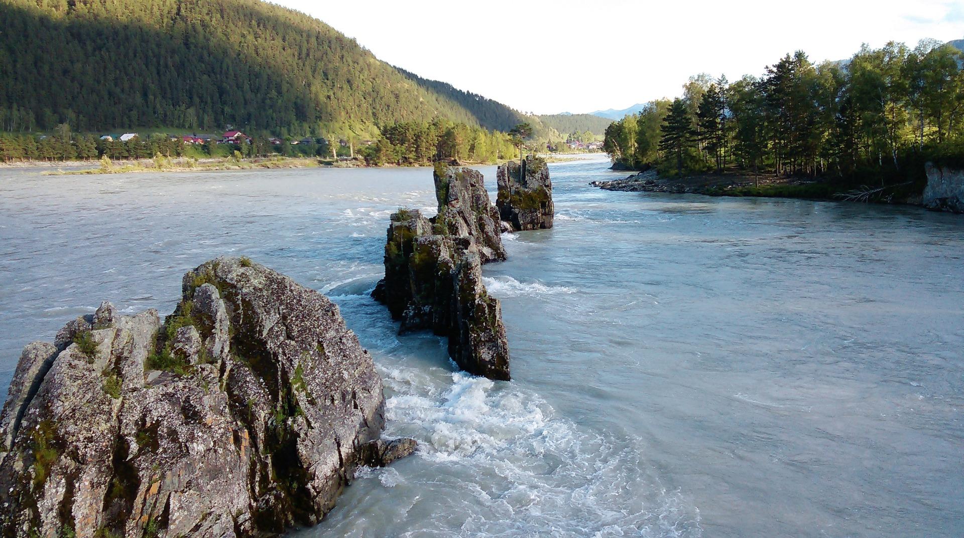 Река Катунь у с. Элекмонар