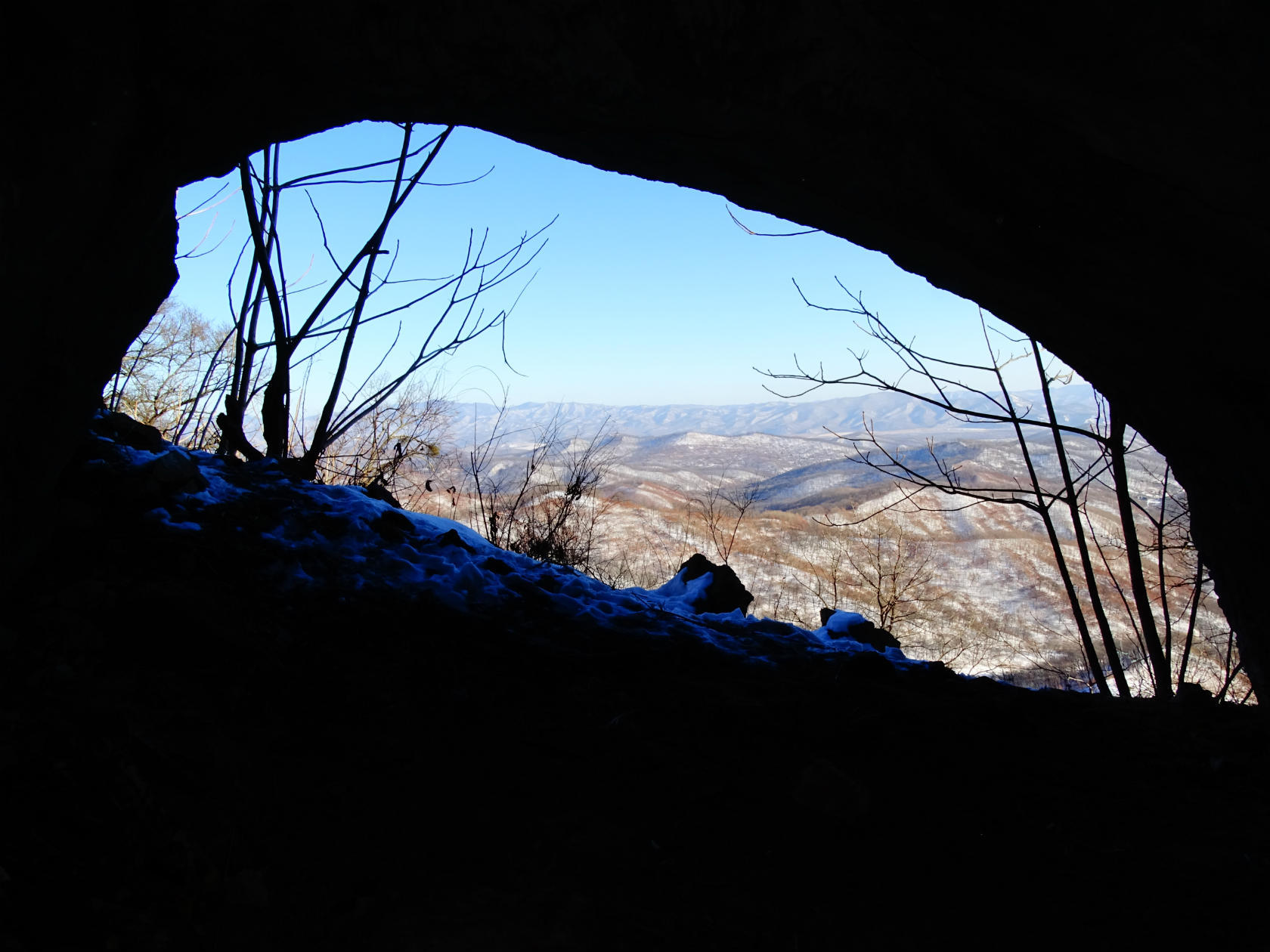 Вид из пещеры Сквозная. Фото Игоря Жабского