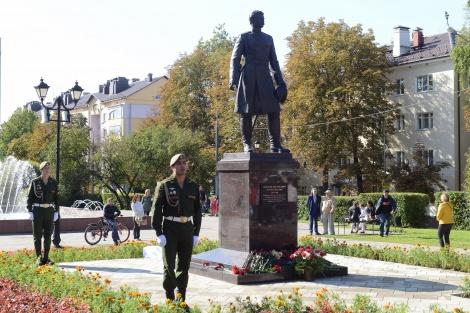 Памятник Н.М.Пржевальскому в Смоленске. Фото: Светлана Волосевич, Смоленское областное отделение РГО
